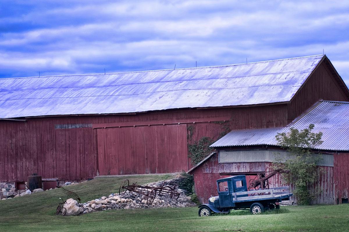 Oldtime Michigan Farm on 16 X 20 Cottage